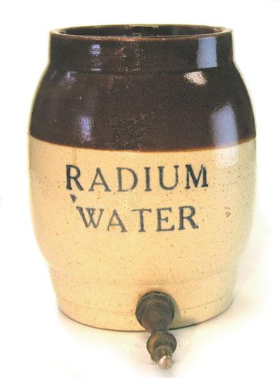 Nombre:  radiumwaterjar.jpg Visitas: 562 Tamaño: 35.0 KB